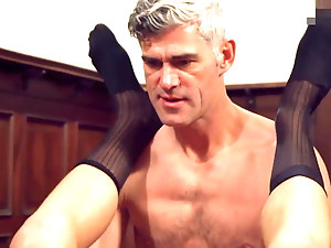 Men have good sex together