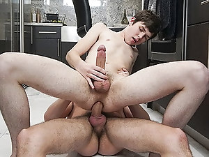 Hung Stepbro Pounds Cute Boy